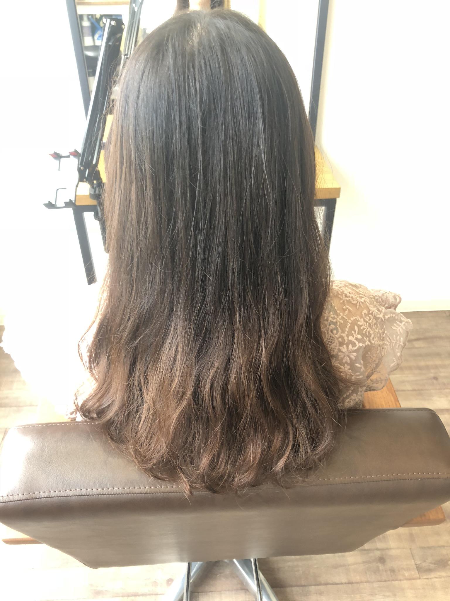 海で傷んだ髪をoggiottoトリートメントで修復し、艶髪アッシュベージュに |別府市 イルミナカラー取り扱い美容室Rangali(ランガリ)